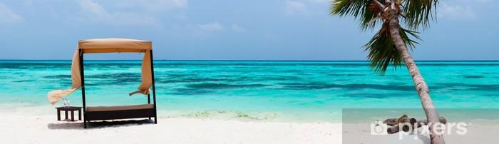Idyllisk tropisk strand ved Maldiverne Pixerstick klistermærke - Vand