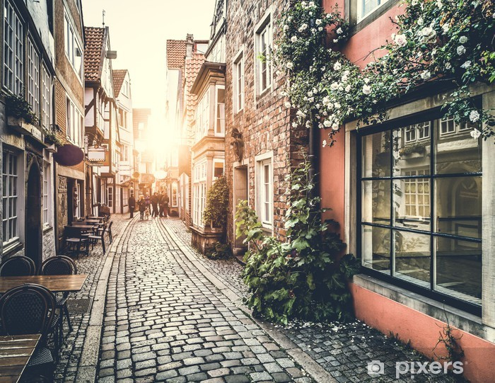 Afwasbaar Fotobehang Historische Europese straat tijdens zonsondergang - Thema's
