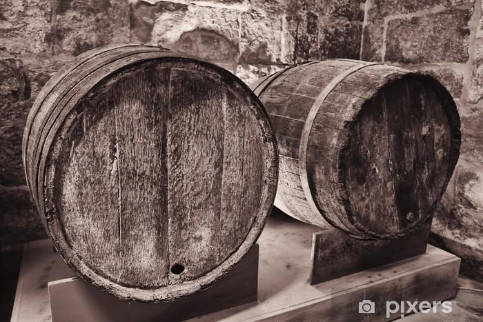 Fototapeta winylowa Stare drewniane beczki wina - Akcesoria