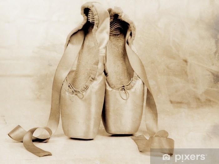 Naklejka Pixerstick Balet pointe buty na podłodze - Style