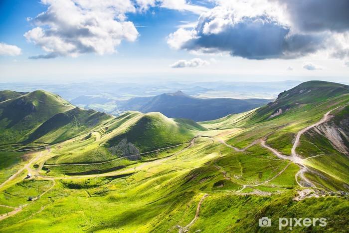 Kendinden Yapışkanlı Duvar Resmi Montagnes d'Auvergne - Açıkhava sporları