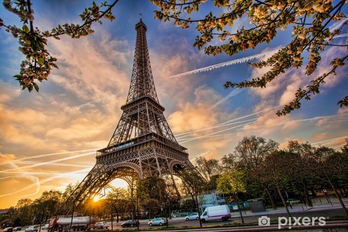 Vinyl Fotobehang Eiffeltoren tegen zonsopgang in Parijs, Frankrijk -