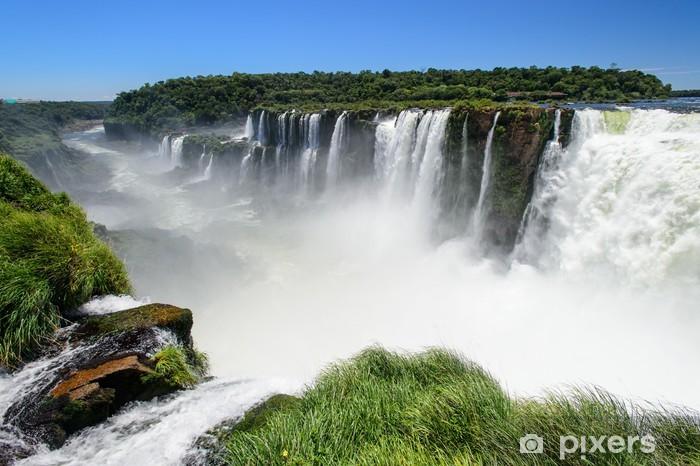 Fototapeta winylowa Iguazu Falls widok z Argentyny - Brazylia