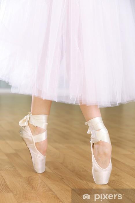 Nálepka Pixerstick Ballerina nohy v pointes v taneční sál - Části těla