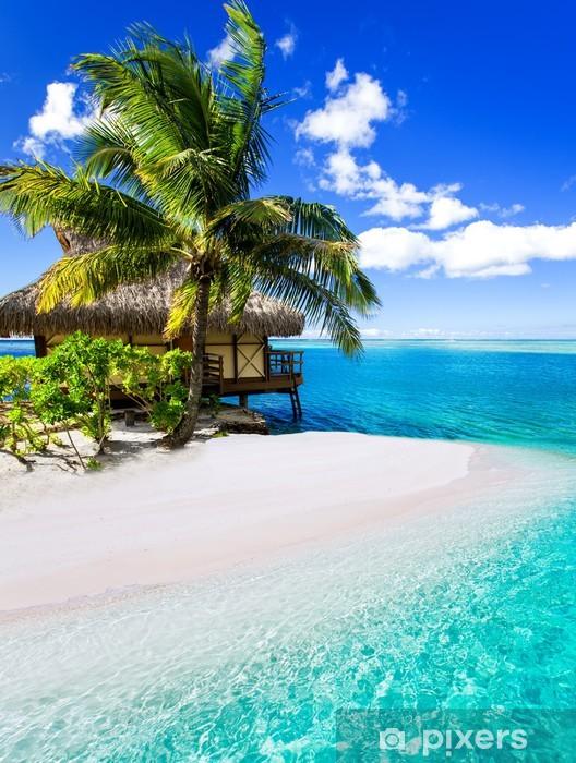 Pixerstick Sticker Tropische villa en palmboom naast blue lagoon - Palmbomen