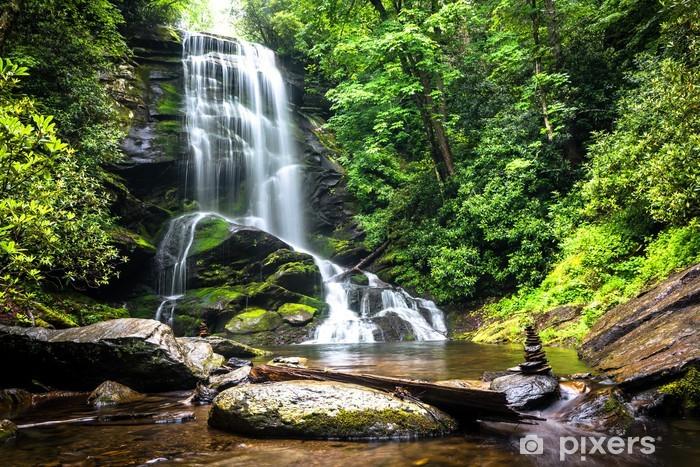 Pixerstick Sticker Waterval tussen het groen van het bos - Watervallen
