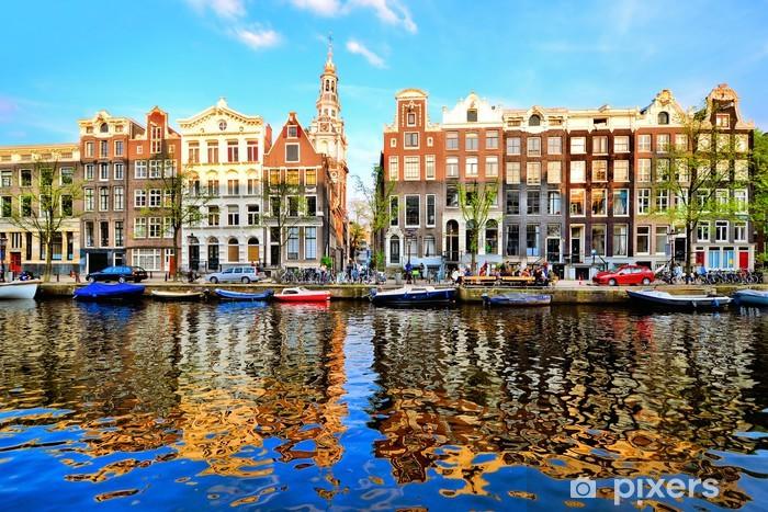 Vinilo Pixerstick Casas del canal de Amsterdam en la oscuridad con las reflexiones vibrantes - Temas