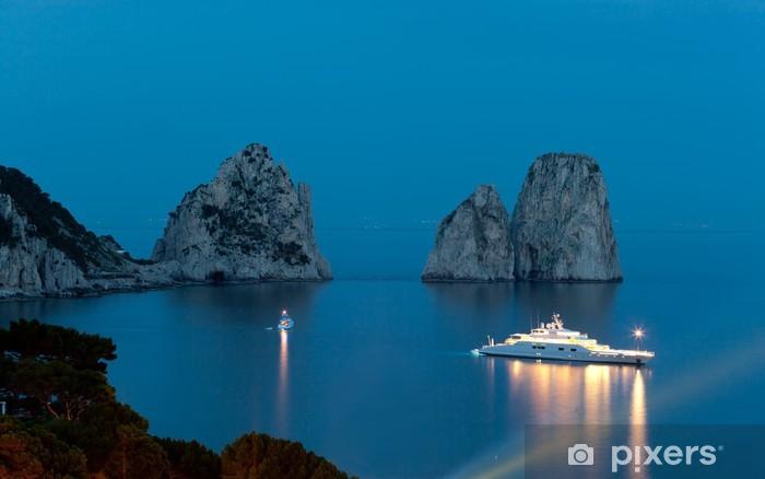 Vinylová fototapeta Faraglioni v noci, slavné obří skály, ostrov Capri - Vinylová fototapeta