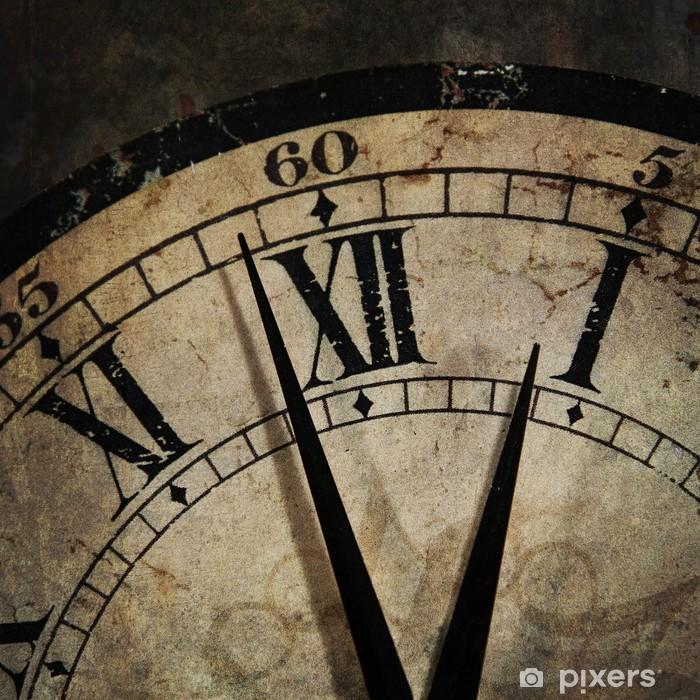 Papier peint vinyle Grunge vieille horloge indiquant l'heure est après minuit - Horloges