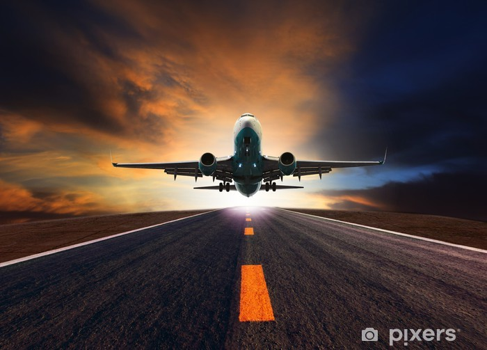 Papier peint vinyle Avion de passagers avion survolant piste de l'aéroport contre le beau -