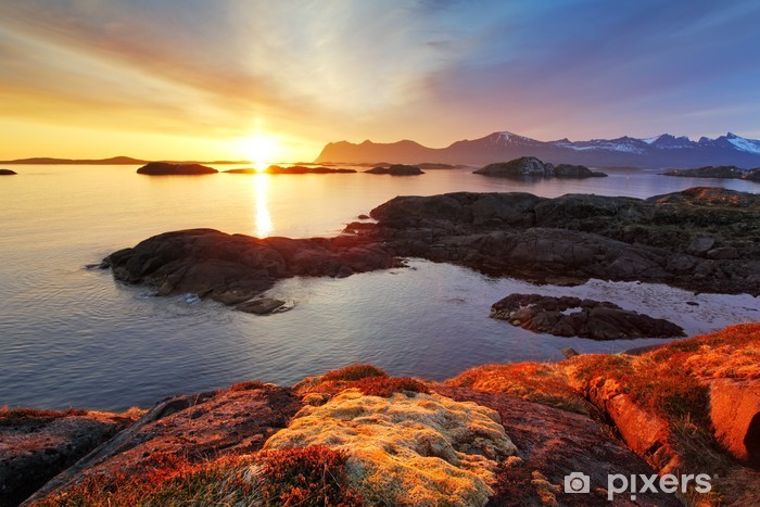Nálepka Pixerstick Ocean pobřeží pěkný západ slunce v Norsku - Senja - Témata