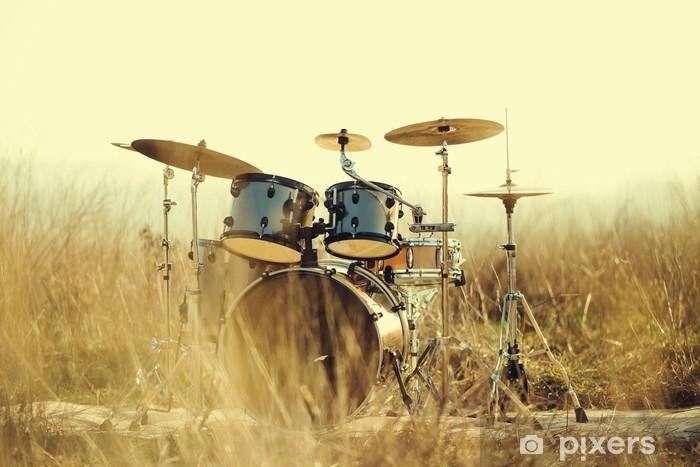 Fototapeta winylowa Drum Set w polu - iStaging