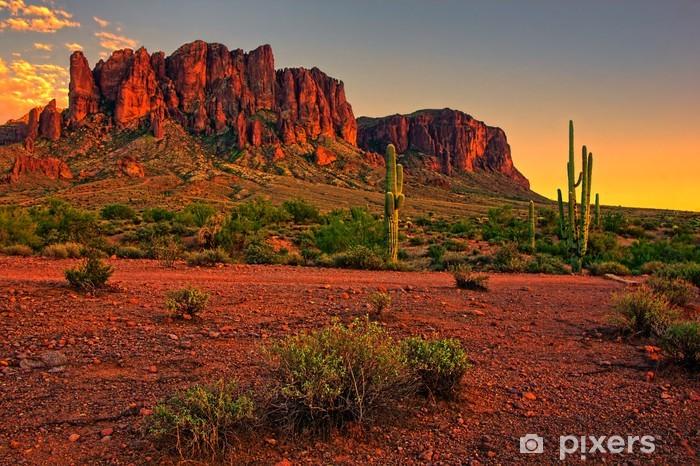 Vinyl Fotobehang Zonsondergang in de woestijn met uitzicht op de bergen - Woestijn