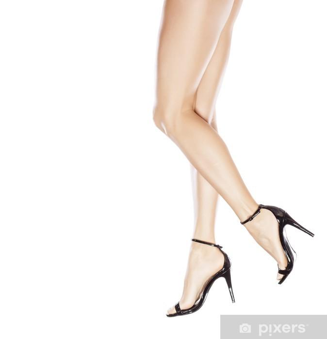 new styles 2a15f f7db4 Carta da Parati in Vinile Belle gambe femminili in eleganti sandali con  tacco alto