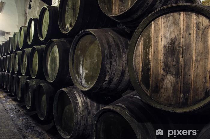Fototapeta winylowa Beczki wina w piwnicy - Narzędzia przemysłowe