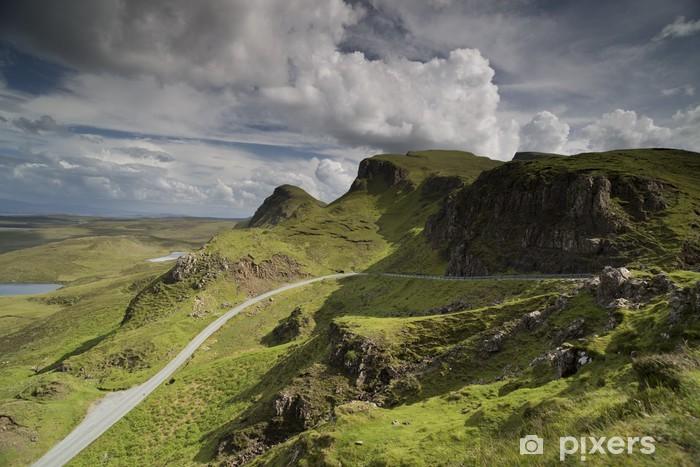 Vinilo Pixerstick Quiraing hermosa gama de las montañas en la isla de Skye, Escocia - Temas
