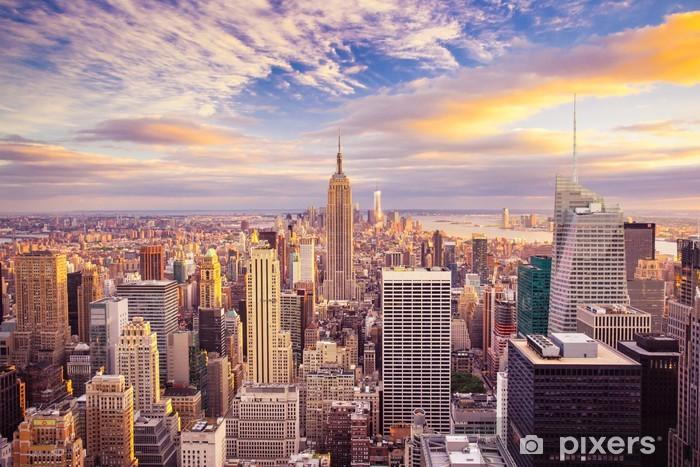 Nálepka Pixerstick Západ slunce pohled na New York City při pohledu na Manhattanu -