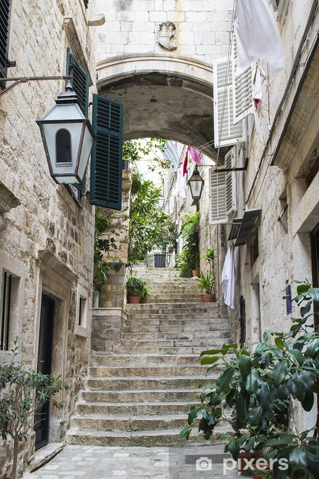 Vinilo Pixerstick Escaleras en la ciudad vieja de Dubrovnik - Temas