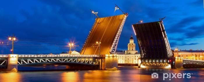 Papier peint vinyle Les ponts à Saint-Pétersbourg - Europe