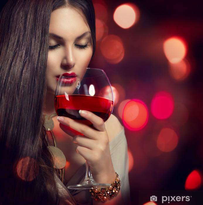 Drikke kvinnelig sprut
