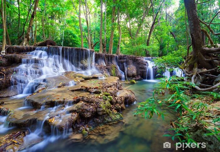 Fototapeta zmywalna Wodospad głęboko w lesie, Tajlandia - Tematy