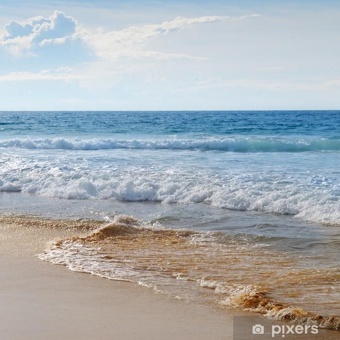 Naklejka Pixerstick Motyw morski, piaszczysta plaża i błękitne niebo - Woda