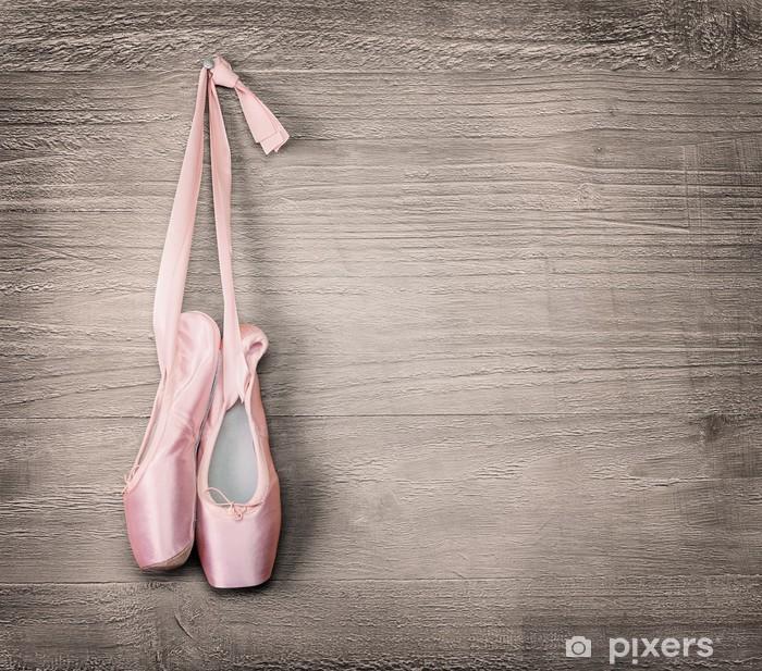 Vinilo Pixerstick Nuevos zapatos de ballet de color rosa - Temas
