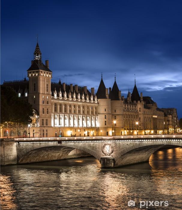 Papier peint vinyle Conciergerie Quai de Seine Paris - Villes européennes