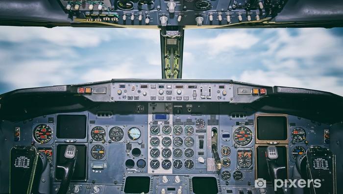 Papier peint vinyle Tableau de bord de l'aéronef. Voir l'intérieur de la cabine du pilote. - Dans les airs