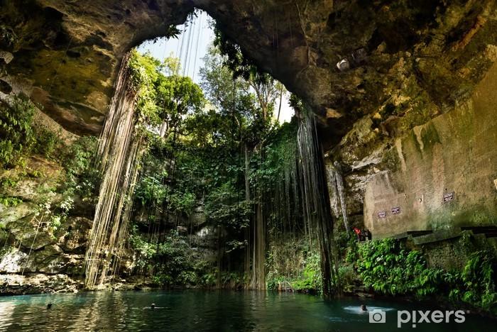 Carta da Parati in Vinile Ik-Kil Cenote vicino a Chichen Itza in Messico - America