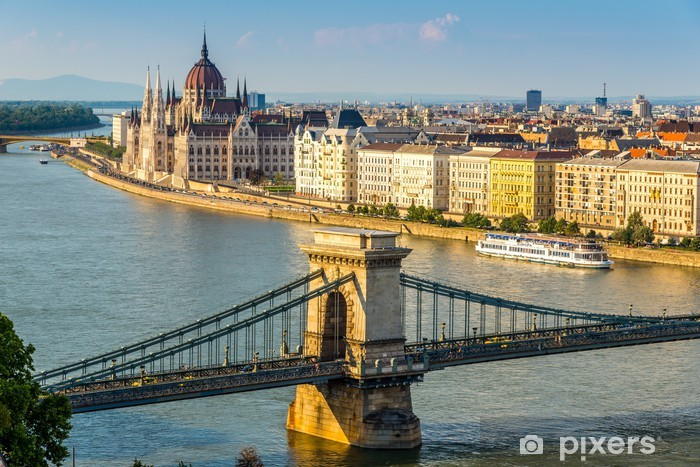 Fototapeta winylowa Widok na Parlament w Budapeszcie - Europa