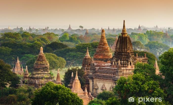 Naklejka Pixerstick Świątynie Bagan na wschodzie słońca, Bagan, Myanmar - Azja