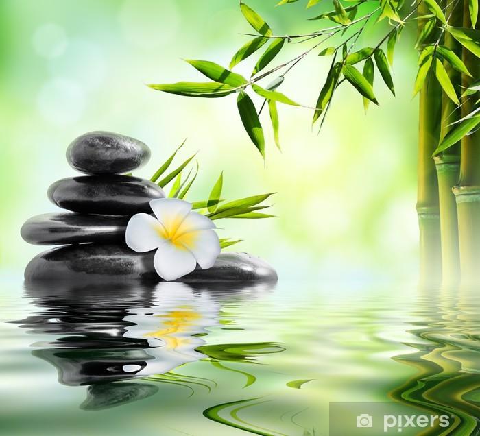 Vinyl Fotobehang Spa massage behandeling in de tuin met Frangipani en bamboe - Thema's