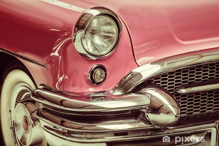 Fotomural Estándar Imagen de estilo retro de un frente de un coche clásico - Por carretera