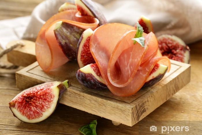 Sticker Pixerstick Figues violettes bien mûres avec du jambon fumé - apéritif traditionnel - Repas