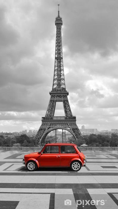 Fotomural Estándar Torre Eiffel con el coche. foto en blanco y negro con el elemento rojo. - Temas