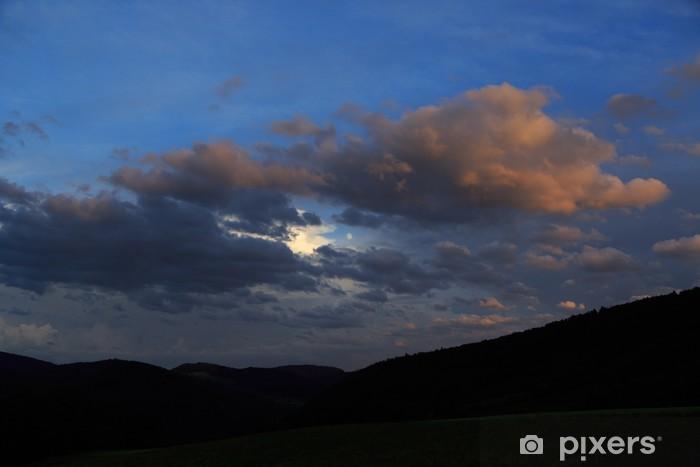 Papier peint vinyle Lune parmi les nuages - Espace