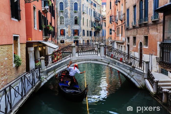 Fotomural Autoadhesivo Venecia, Italia - Gondolero y conventillos históricos - Temas