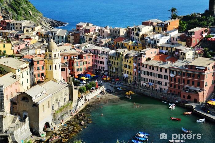 Fototapeta winylowa Tradycyjna architektura śródziemnomorska Vernazza, Włochy - Europa