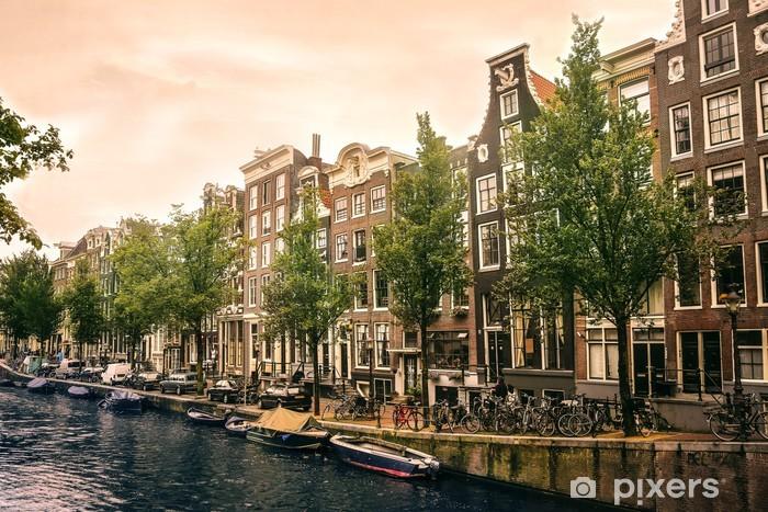Fototapeta winylowa Łodzie i rowery w Amsterdamie - Tematy