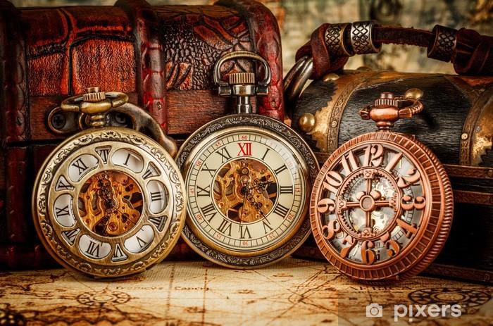 Fototapeta winylowa Vintage zegarek kieszonkowy - Moda