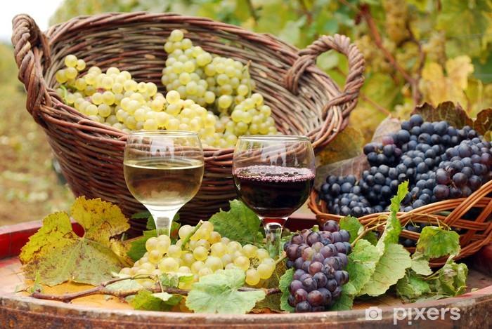 Naklejka Pixerstick Czerwone i białe wino z winogron jesieni - Tematy