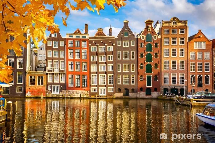 Papier peint vinyle Les vieux bâtiments à Amsterdam - Thèmes