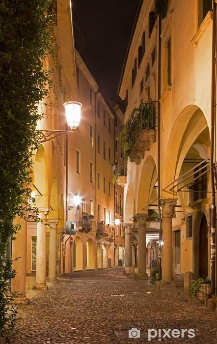 Naklejka Pixerstick Padwa - ulica gheto w nocy. - Europa