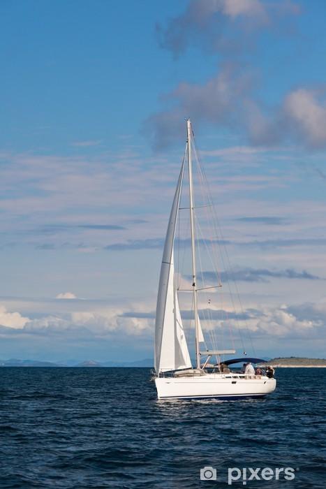 Huvivene merisatamassa Vinyyli valokuvatapetti - Veneet Ja Laivat