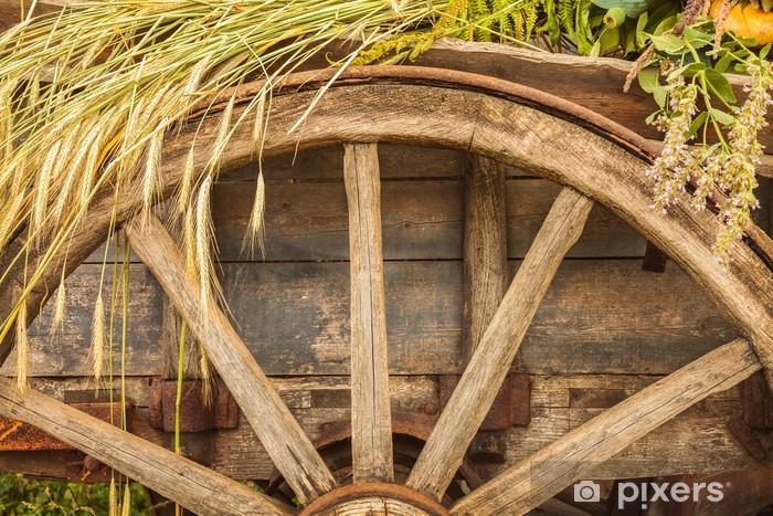 Naklejka Pixerstick Stary drewniany wagon załadowany świeże uprawy zbóż - Rolnictwo