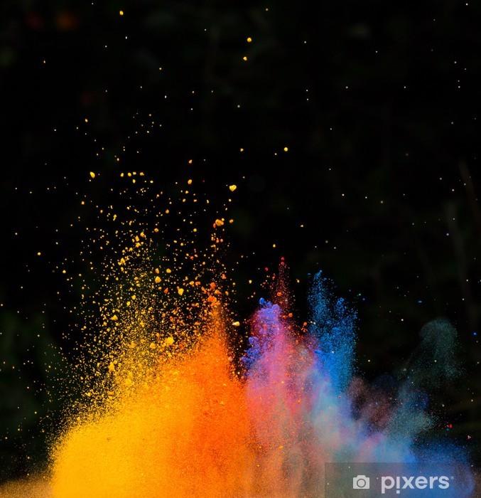 Papier peint vinyle Poudre colorée lancé, isolé sur fond noir - Abstrait