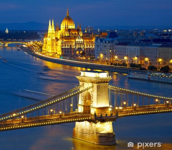 Fototapeta winylowa Budapeszt, Węgry. Most Łańcuchowy i Parlament - Tematy