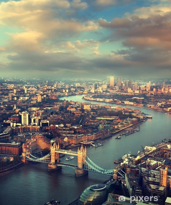 Vinyl Fotobehang Londen luchtfoto met Tower Bridge in zonsondergang tijd - Thema's