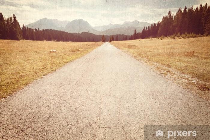 Papier peint vinyle Route vers les montagnes - Image vintage - Ressources graphiques